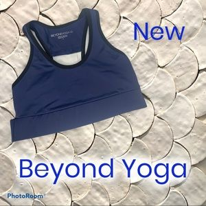 Beyond Yoga Compression Arlington Sports Bra Small